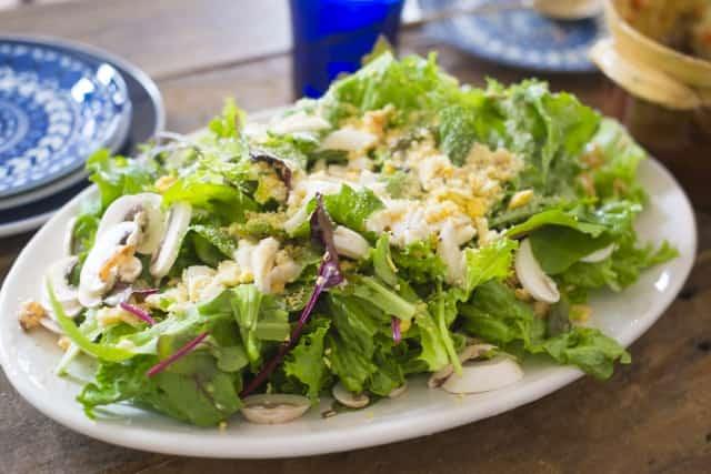 リーフレタスのサラダ