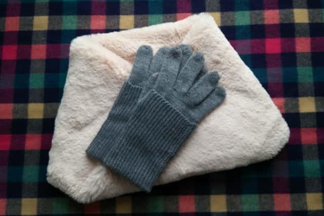 ネックウォーマーと手袋