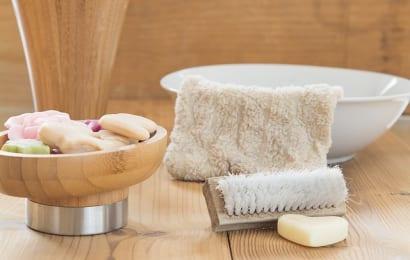 ニームオイルは石鹸などの材料にも使われる