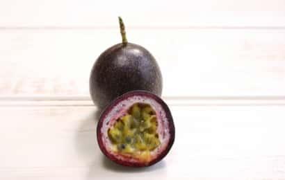 紫色系のパッションフルーツ