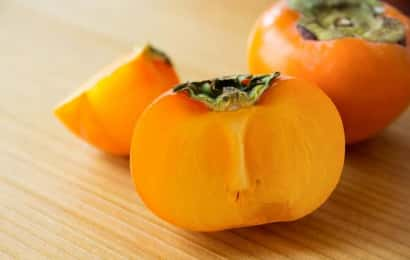 カットした種なしの柿