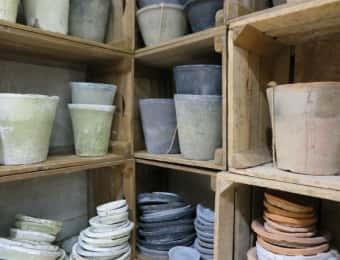 植木鉢の収納棚