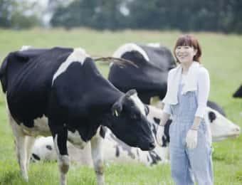 牧場で働く女性