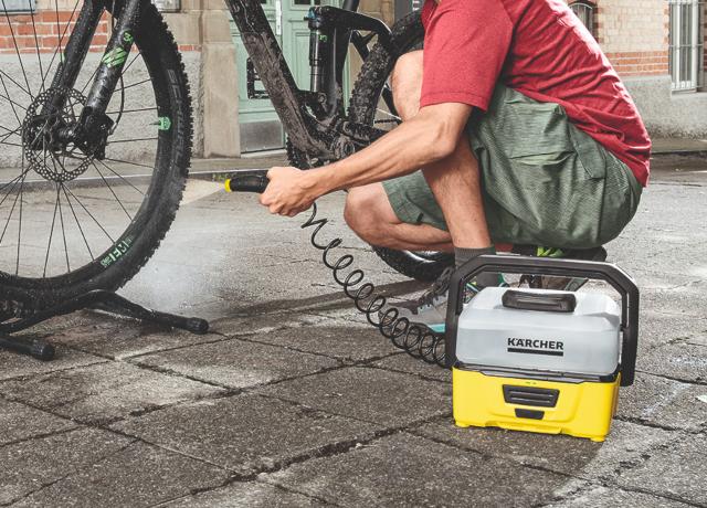 モバイルクリーナーを使用した自転車の洗浄