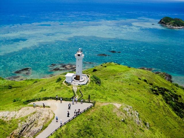灯台と海の風景