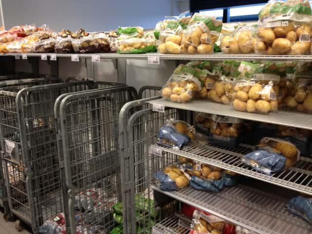 一般的なスーパーにもオーガニック栽培のジャガイモが並ぶ