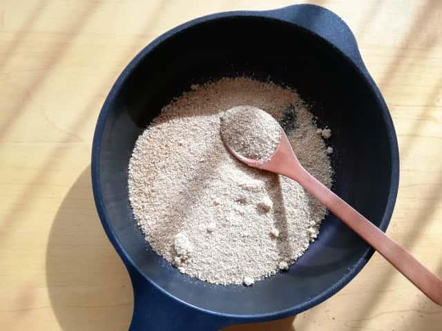 米ぬかを煎る